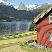 Holiday Home Hjalmarhytta
