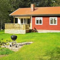 Two-Bedroom Holiday home in Svenshögen