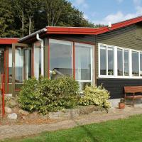 Four-Bedroom Holiday home in Olden 2