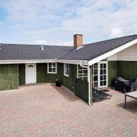 Four-Bedroom Holiday home in Rømø 8, hotel in Bolilmark