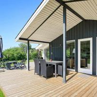 Three-Bedroom Holiday home in Strandby 13