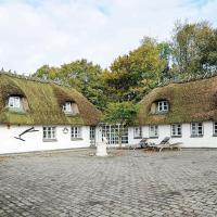 Five-Bedroom Holiday home in Juelsminde 3