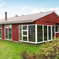 Three-Bedroom Holiday home in Oksbøl 49, hotel in Vejers Strand