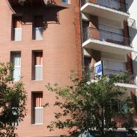Hostal Cal Siles, hotel cerca de Aeropuerto de Barcelona - El Prat - BCN, El Prat de Llobregat