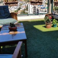 F1 avec terrasse aux Géraniums, hotel in Cheraga