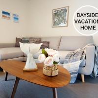 Entire 3 bedrooms home, Frankston North, Bayside Vacation Home, hotel em Frankston