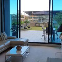 Stunning Riverside Apartment near MCEC and Casino!