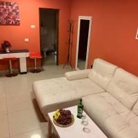 Apartments on Smelyanski 37