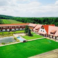 Dvůr Perlová voda, hotel in Budyně nad Ohří