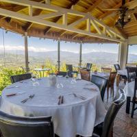 Barons Resort, отель в Атенасе