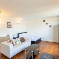 Superb 1 Bed Studio Flat near Liverpool Street for 2 people