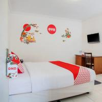 OYO 143 Dukuh Kupang Residence, hotel in Surabaya