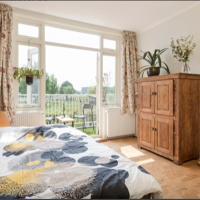 Bed & Balcony