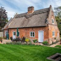 Thatch Cottage - luxury Norfolk Hideaway