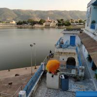 Hotel Bharatpur Palace, hotel in Pushkar