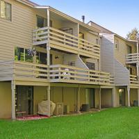 Hideaway Valley: Captivating Condo #9, hotel in Harbor Springs