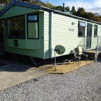 A11 Hendre Coed Isaf static caravan, hotel in Barmouth