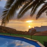 Candelaria's Mountain House (Pool & Sea Views)
