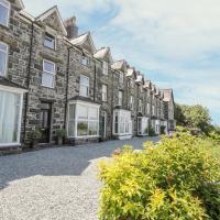 3 Bronwen Terrace