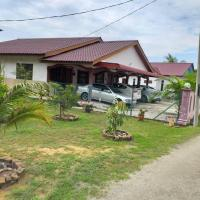 AMIMAS HOMESTAY, hotel di Kampong Telok