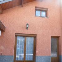 Maison mitoyenne avec terrasse, hotel in Villar-Saint-Pancrace