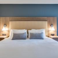 Quaaout Lodge & Spa at Talking Rock Golf Resort, hotel em Squilax