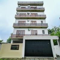 Iddamal Apartments, hotel in Mount Lavinia