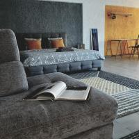 Upscale Suite Minutes From The Airport, hotel in Markopoulo