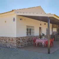 Awesome home in Olvera w/ WiFi, Outdoor swimming pool and 4 Bedrooms, hotel in Olvera