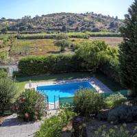 Casa do Vale Paraíso - Piscina e Court de Ténis a 30 min de Lisboa, hotel in Vale do Paraíso