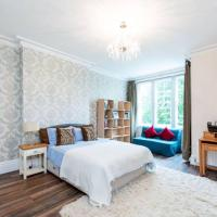 Luxury 1 bedroom Flat in the Heart of Chiswick