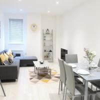 Large Contractor Apartment - Bedford Town Centre by Comfy Workers