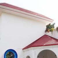The White Yard - Deluxe Rooms, hotel near Lal Bahadur Shastri International Airport - VNS, Varanasi