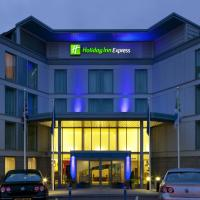 Holiday Inn Express London Stansted Airport, an IHG Hotel, hotel near London Stansted Airport - STN, Stansted Mountfitchet