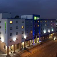 Holiday Inn Express Park Royal, hotel in Acton, London