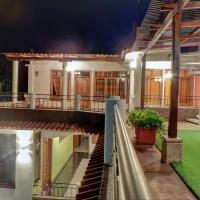 SHANTI SHANTI Hotel & Restaurante, hotel in San Pedro La Laguna