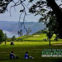 Club de Golf Fort Prével, hotel em Saint-Georges-de-Malbaie