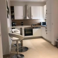Private room in luxury apartment with shared kitchen and shared bathroom