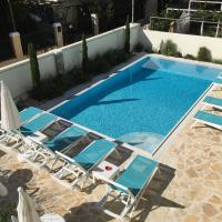 The Central Suites, hotel in Kassiopi