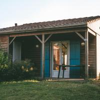 Terres de France - Natura Resort Pescalis, хотел в Moncoutant