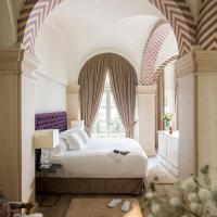 Casa del Poeta Triana Suite & Homes, hotel in Triana, Seville