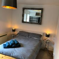 Refurbished city centre pad sleeps 4