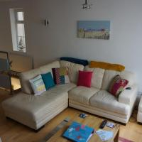 Beautiful beachside detached house with garage, FREE parking and garden