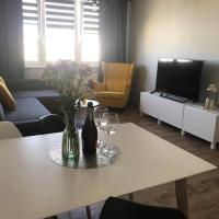 Studio&ApartamentHelLeśna12, hotel in Hel