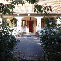 Nederlands Boerderij in Felsőlajos, hotel in Felsolajos