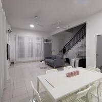 LIGHTWOOD, ECO TROPICS by ARest Home, hotel di Pasir Gudang