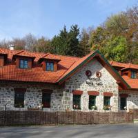 Penzión Horáreň Biely kríž, hotel in Tvrdošín