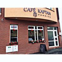 Café Kaftan - pension, hotel in Kolín