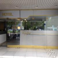 Hotel Crystal, hotel in Neuquén