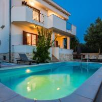Family friendly house with a swimming pool Sveti Filip i Jakov, Biograd - 15775